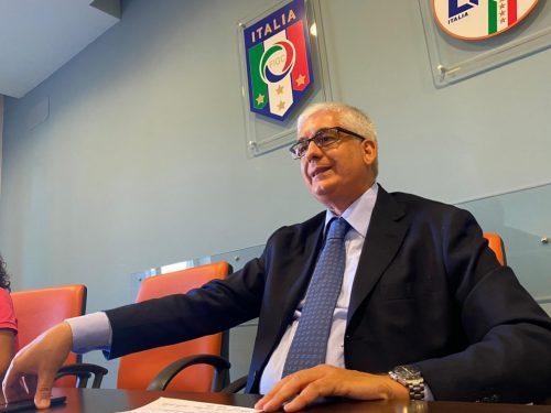 Il Comitato Regionale della Lega Nazionale Dilettanti sdoppia i campionati di Eccellenza e Promozione. Ripescate alcune squadre foggiane