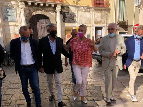 Antonio Tajani a Lucera per Barbara Matera. Domenica Matteo Salvini in Piazza Duomo