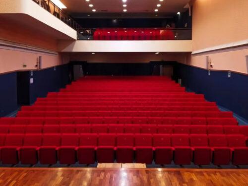 """Il Teatro """"Lucio Dalla"""" di Manfredonia aderisce all'iniziativa """"FACCIAMO LUCE SUL TEATRO!"""""""